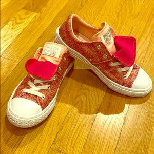 Pink girls converse sneakers